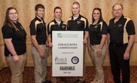 AFGC.18.PurdueForageBowlTeamwithCoaches